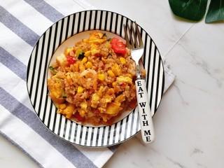 番茄虾仁蔬菜炒饭,特别的有食欲