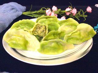 菠菜面槐花饺子,尝尝槐花飘香,鲜香美味