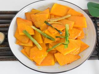 清脆爽口、简单易学的葱油南瓜