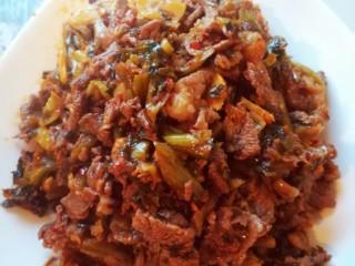腌菜炒肉,成品照