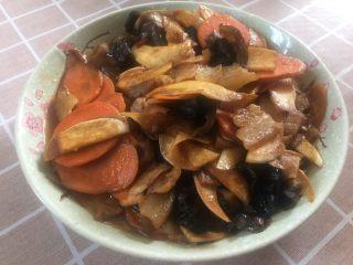 茭白木耳炒肉片