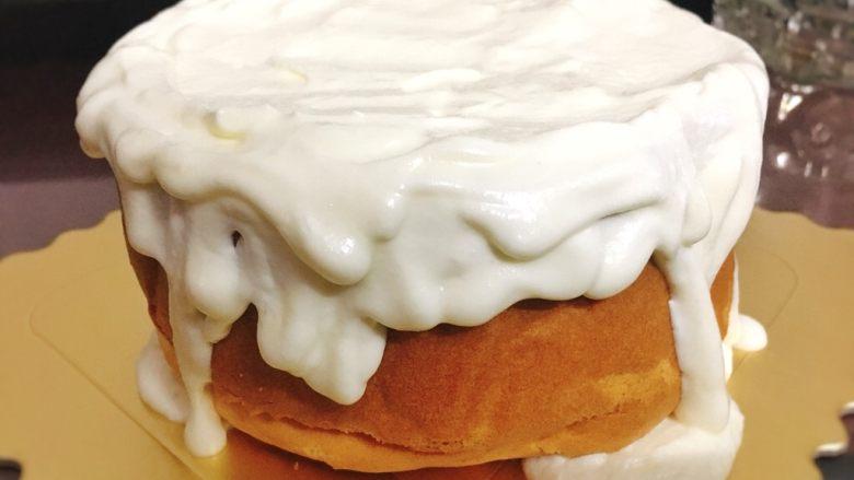 酸奶雪崩蛋糕 清爽不油腻,剩下的淋面即可。