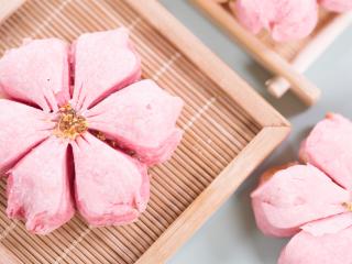 【桃花酥】 喏,要不要尝一口粉嫩春光?