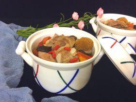 菌类料理+隔水炖猴头菇香菇排骨汤