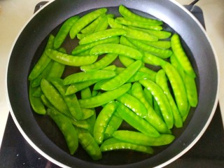 蒜蓉 荷兰豆,焯两分钟