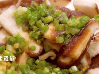 蔬菜鸡肉卷,和适量食盐