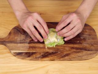 蔬菜鸡肉卷,卷成小卷儿