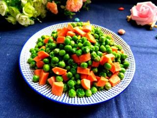 火腿肠炒豌豆,美美图片来一张。