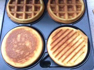 卡罗松饼粉版—华夫饼,看看颜色满意,就出锅了