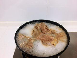 减肥食谱-酱牛肉,无糖无水,有了泡沫之后再煮两分钟