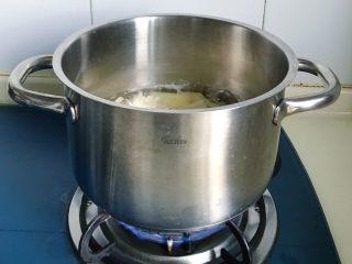 酸辣泡菜锅,开盖煮一会儿