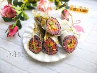 糖果式紫菜包饭, 同样的方法做好另外一个卷。