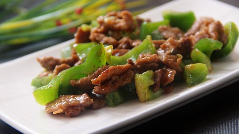 牛肉炒青椒,牛肉十分的香嫩可口