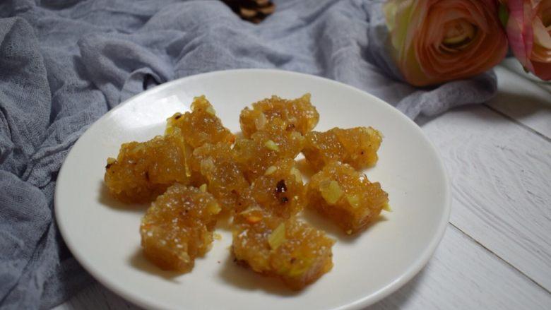 河南小吃——蒸素焖子,小块成品图。