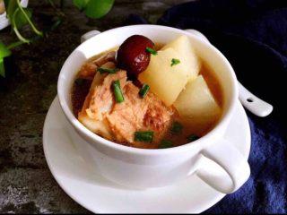 白萝卜猪骨汤