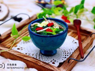 菠菜白玉菇虾皮汤,成品一