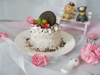 奥利奥蛋糕,美味就完成啦! 大家喜欢我的菜谱记得点赞和收藏哦! 欢迎评论留下您的宝贵意见! 谢谢啦!