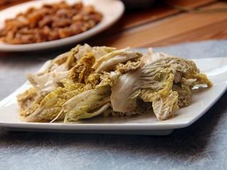 芝麻酱白菜,装盘。可以吃了,简单吧