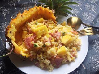 菠萝培根炒饭