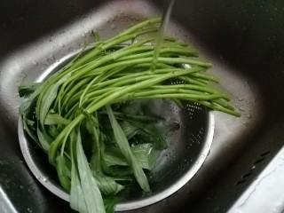 清炒空心菜,空心菜洗干净