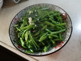 清炒空心菜,出锅