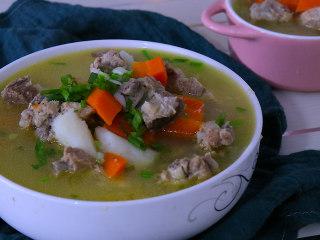 胡萝卜排骨山药汤,简单又营养的排骨山药汤就完成啦~