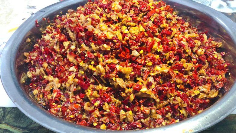 辣椒酱,很简单,而且非常的好吃,是妈妈的味道。