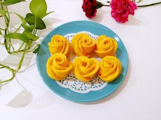 南瓜玫瑰花馒头,吃起来心里都乐开了花。