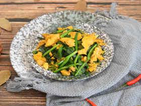 韭菜炒鸡蛋,最简单的家常菜,能吃出家的味道