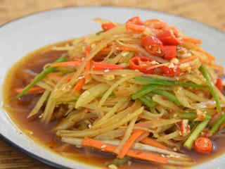 酸酸辣辣的开胃小菜,想做的好吃也是有些讲究的