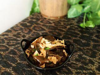 减肥食谱-蒜蓉木耳,撒点葱花