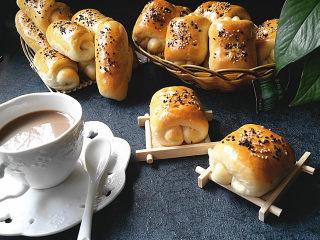 蔓越莓牛奶卷#无黄油版#,配杯咖啡,就是完美的早餐或下午茶哦