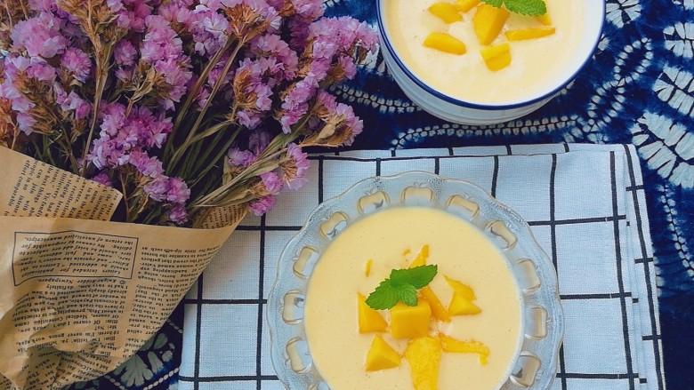 夏日消暑,芒果西米露,炎炎夏日里,简单快速的芒果西米露甜品,清爽怡人又营养,当下午茶、瘦身晚餐都是极好的。