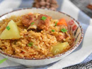 排骨土豆焖饭—每一口都特别香,吃起来很过瘾