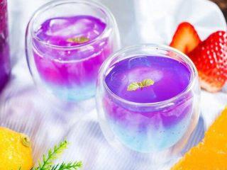 火龙果气泡饮料 ,家里来客人的时候,来这么一杯,顿时高大上了有木有~