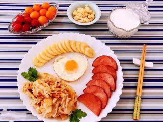 手抓饼开心早餐,加啦牛奶🥛的早餐就感觉更加营养