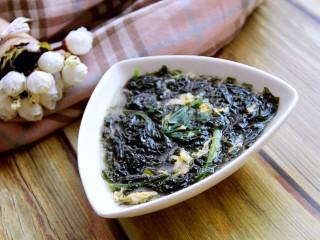 紫菜鸡蛋菠菜汤,盛碗中喝吧,鲜美极了!