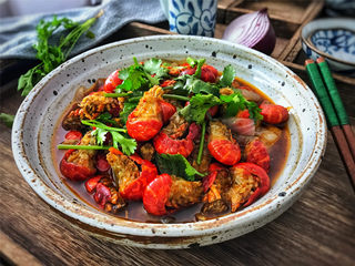 香辣小龙虾,鲜香入味,肉嫩Q滑,让人吮指,回味无穷的香辣小龙虾。