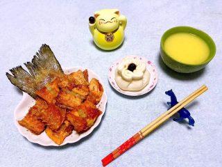 香煎三文鱼骨,一个人也要享受美味的晚餐