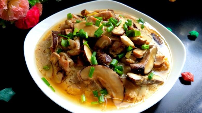 香菇蒸滑鸡,美美图片来一张。