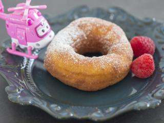 美味油炸版甜甜圈,可愛的小愛也來湊熱鬧啦!希望大家喜歡哦!