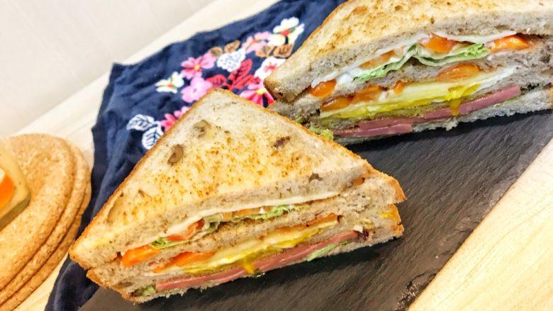 巨无霸早餐三明治😋,超级美味♥️