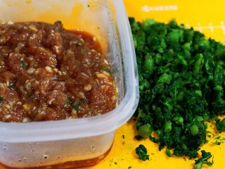 蒸菜篇:电饭锅版香菇盏,倒入肉馅