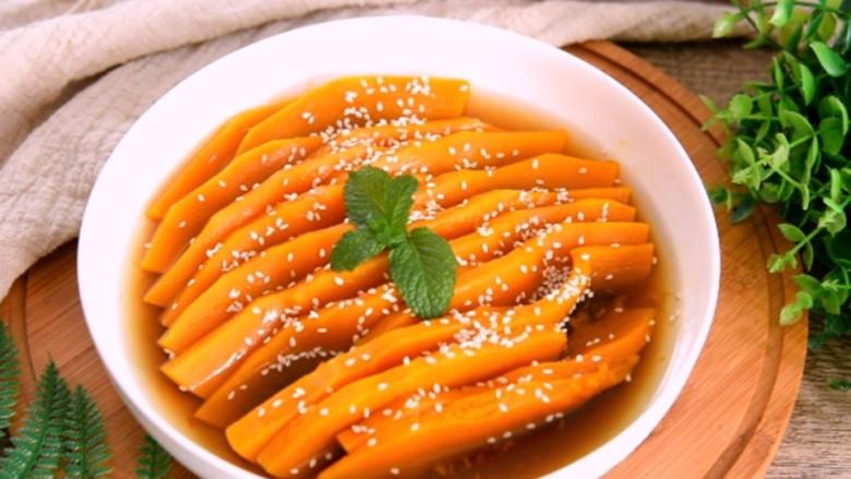 让你一眼就喜欢的——蜜汁南瓜的做法,撒上芝麻即可