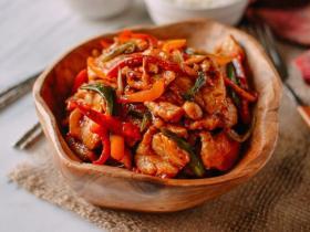泰國辣醬炒雞肉