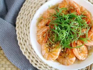 鲜美飘香的蒜蓉粉丝蒸虾