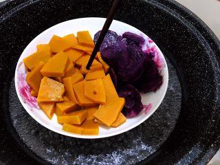 芋圆红豆烧仙草,筷子能轻松插透就可以了