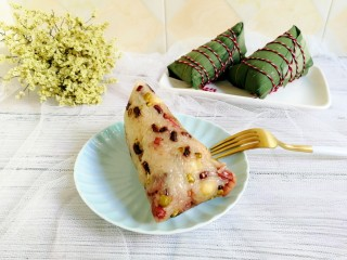 杂豆蜜枣粽,我先吃一个咯,你们要不要一起吃