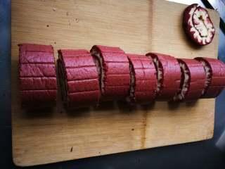 旋风蛋糕卷[红丝绒],切块