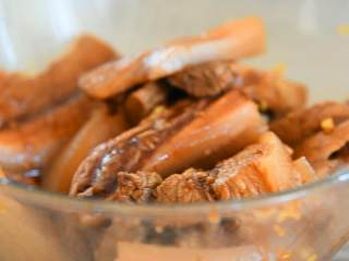 粉蒸肉—软软糯糯,肥而不腻入口即化,腌30分钟。